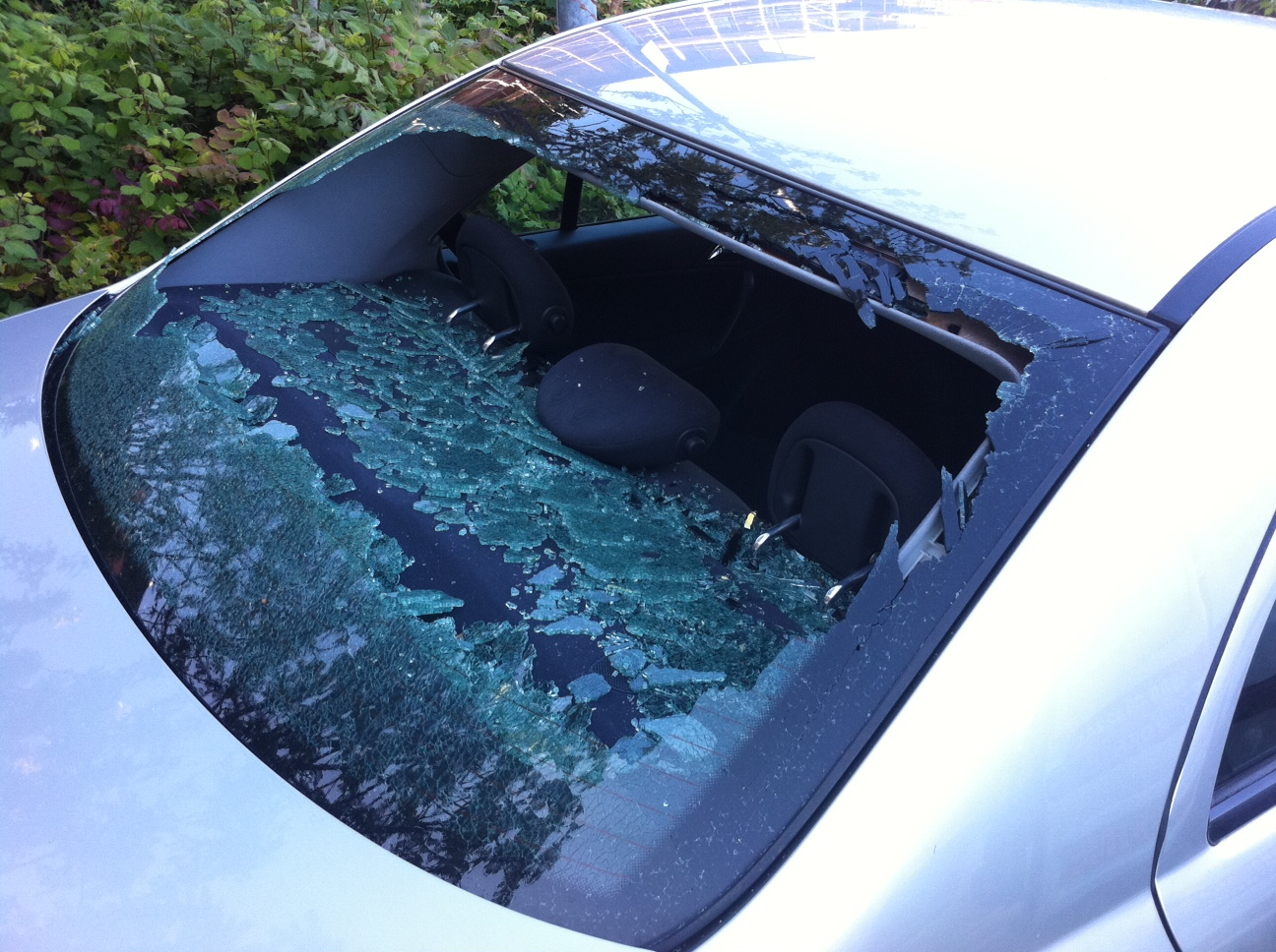 broken car screen
